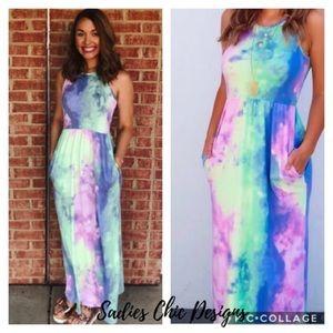 💕💕TIE DYE MAXI DRESS!! Sizes M left!!!!💕💕